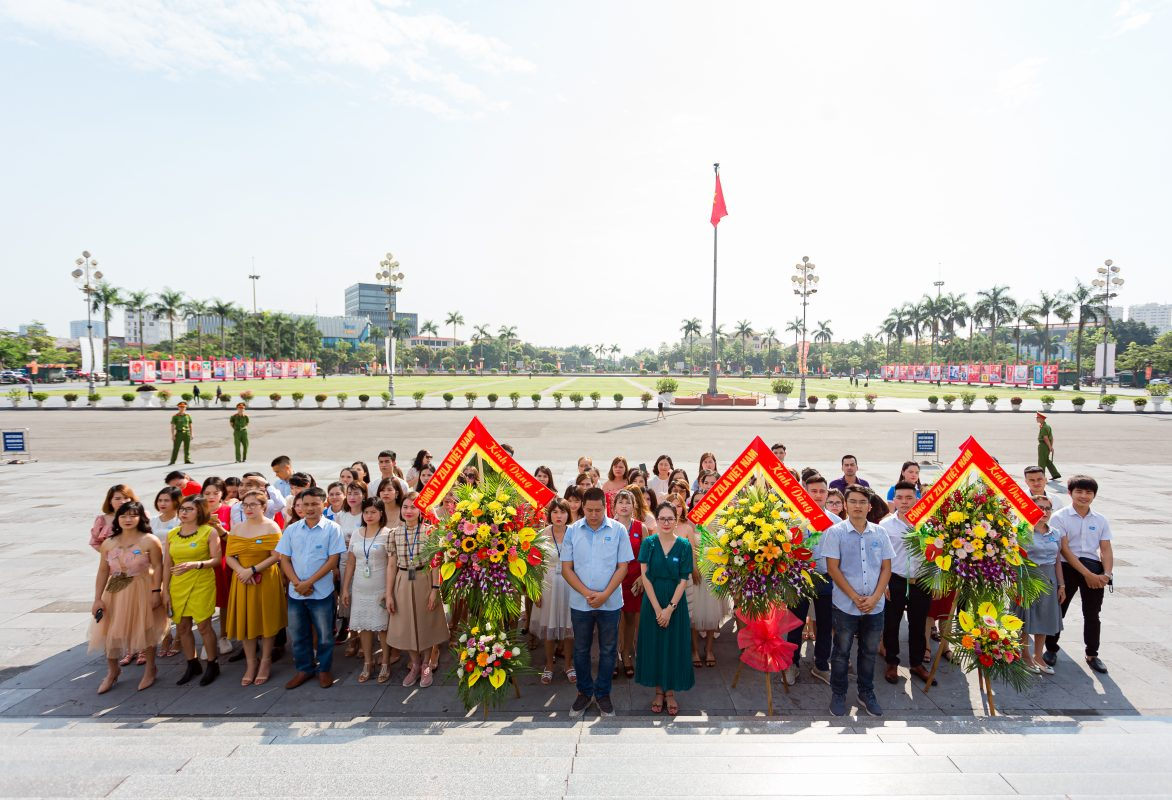 Zila Vietnam tổ chức lê dâng hoa viếng Chủ tịch Hồ Chí Minh