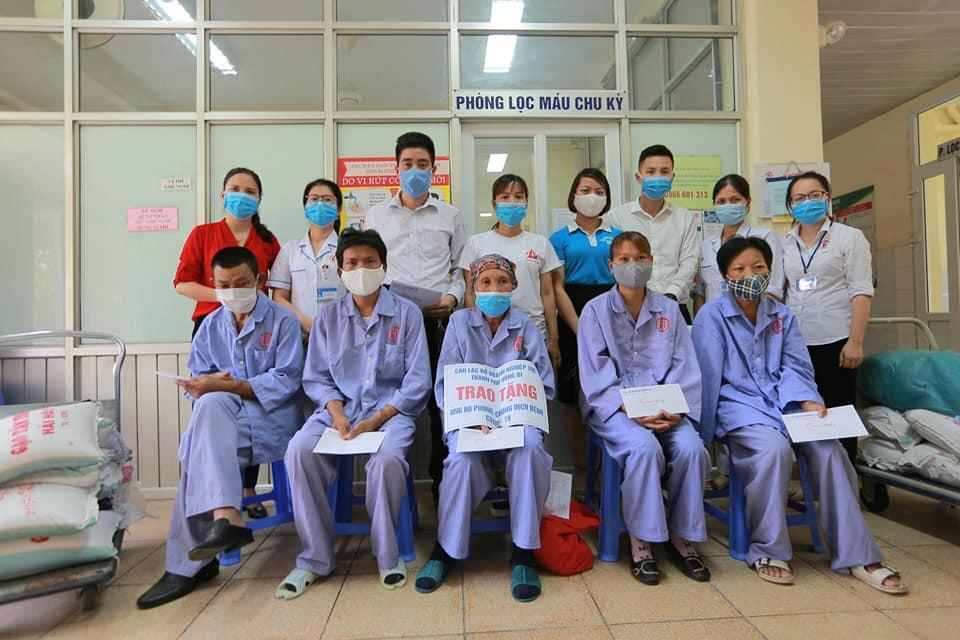 Zila Vietnam phối hợp cùng CLB Doanh Nghiệp Trẻ Uông Bí hỗ trợ các hoàn cảnh khó khăn do Covid-19